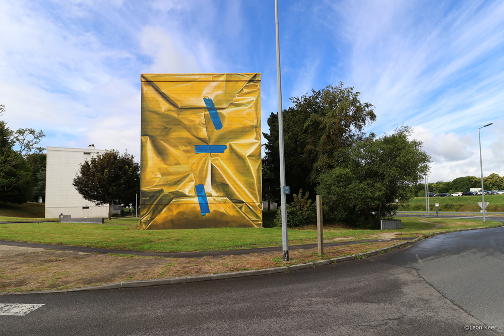 'Safe house' mural Morlaix by Leon Keer