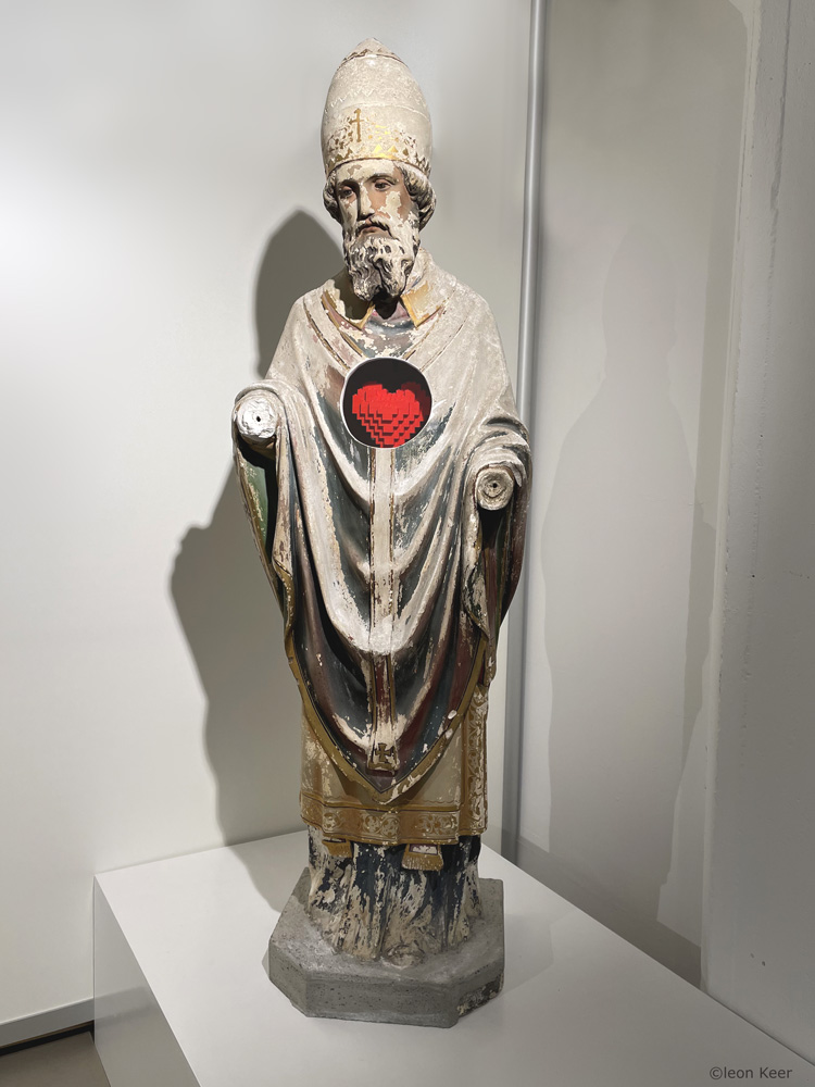 Sanctimonious-by-leonkeer-sculpture-art-installation