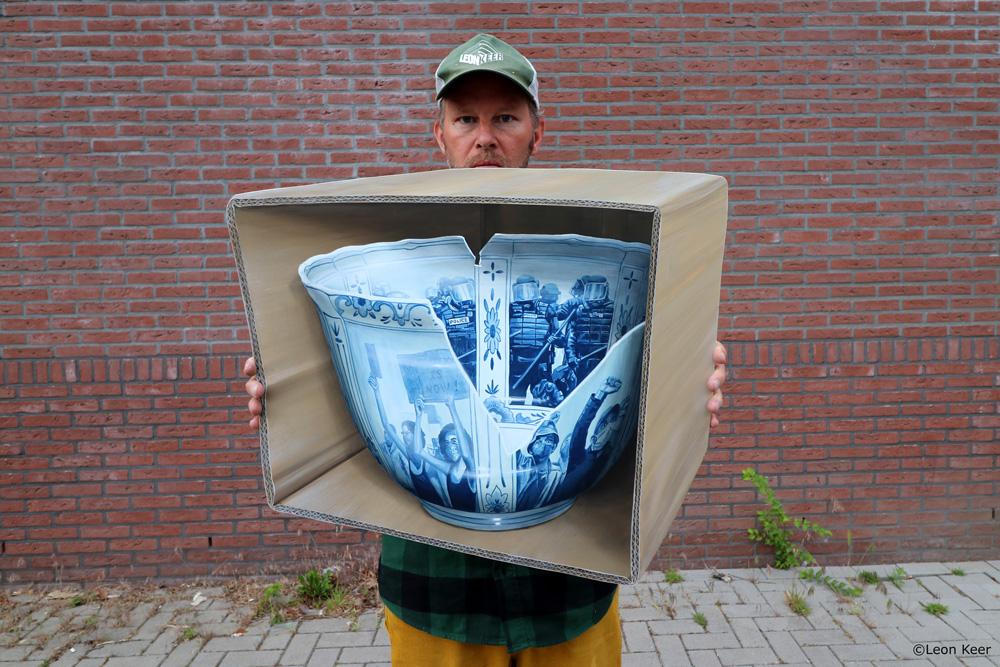 Fragile Nation painting by Leon Keer delftblue