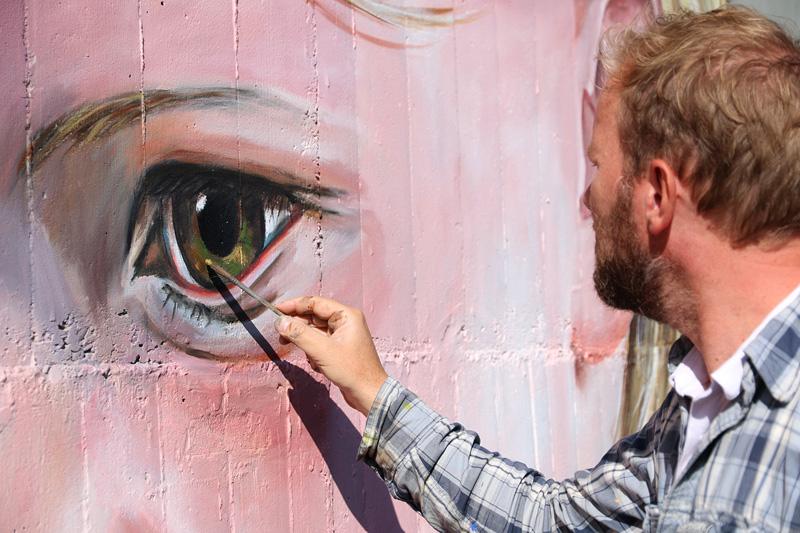 mural-portrait-leonkeer