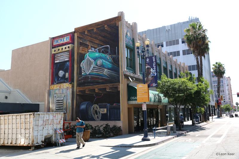 powwow-leonkeer-mural-streetart